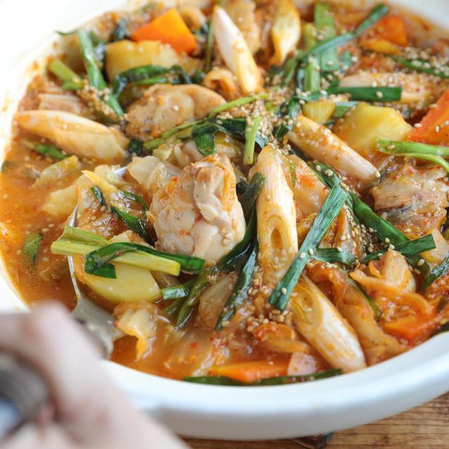 チゲ鍋レシピ。鍋は忙しいときの味方だよね^^