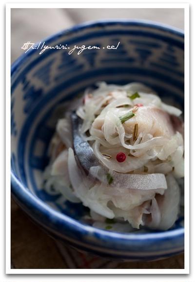 〆鯖と新玉ねぎのサラダ