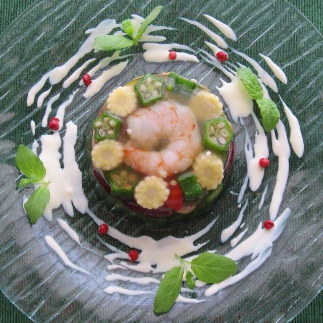 夏の前菜に♪小エビとカラフル野菜のゼリー寄せ