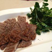 お誕生日のお夕飯「牛グリルのXO醤ソース」「野菜のブロシェット」「さつま芋のお粥」