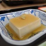 意外とカンタンに作れちゃう!?食感楽しい「胡麻豆腐」レシピ