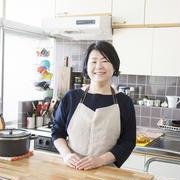 築古レトロなキッチンを楽しく、使い勝手よくするには?金子文恵さんの「世界一楽しいわたしの台所」