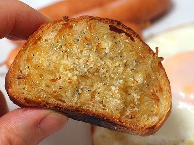 じゃこのオープンサンド ニンニク塩糀のガーリックトースト