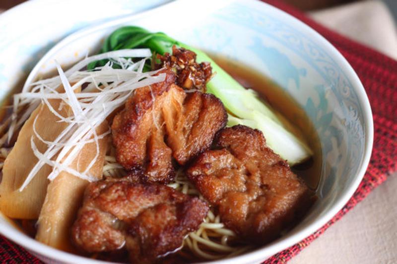 ■昔ながらのしょうゆラーメン<br><br>料理教室の大人気テーマ。ラーメンというと鶏ガラでスープを...