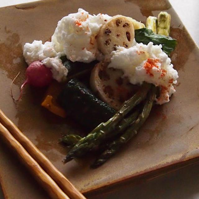 グリル野菜とチーズメレンゲソース。