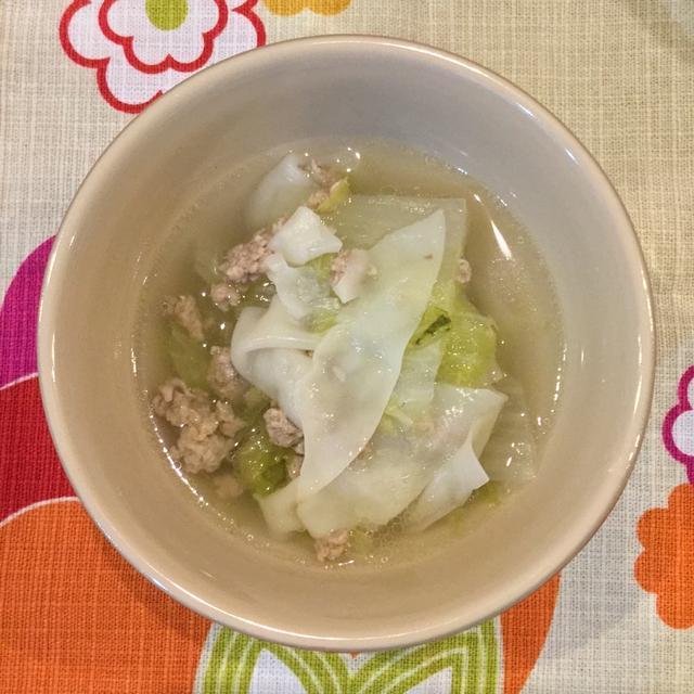 餃子の皮を使って簡単!ワンタン白菜スープ