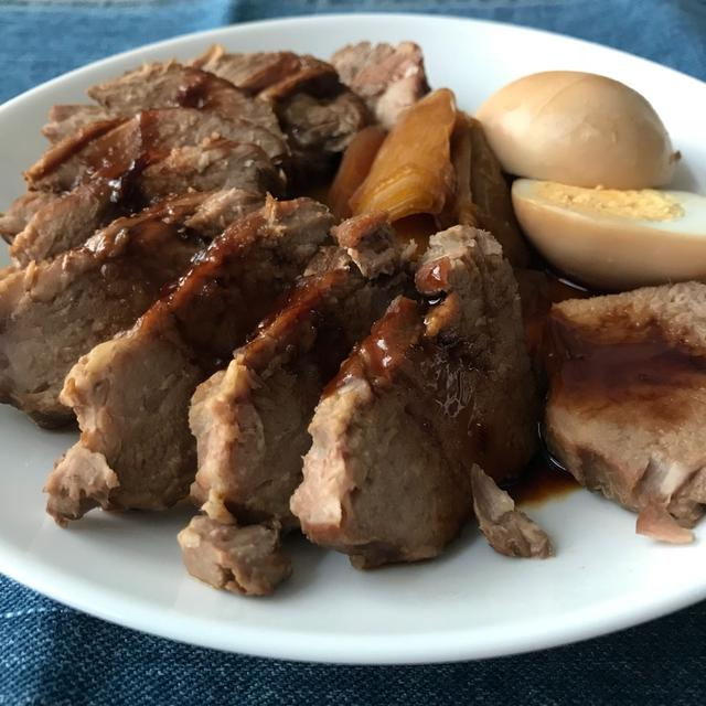 豚肩ロースブロックで煮豚