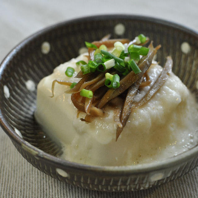 絹豆腐のとろろあんかけ