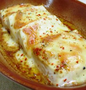 豆腐の七味オイルチーズ焼き<醤油もプラス>