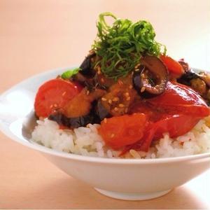 とろ~りとろける茄子が旨い!肉なしでも満足度あり!絶品「なす丼」のレシピ5選