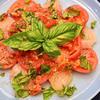 プチトマト&ポピーソースの帆立のカルパッチョ