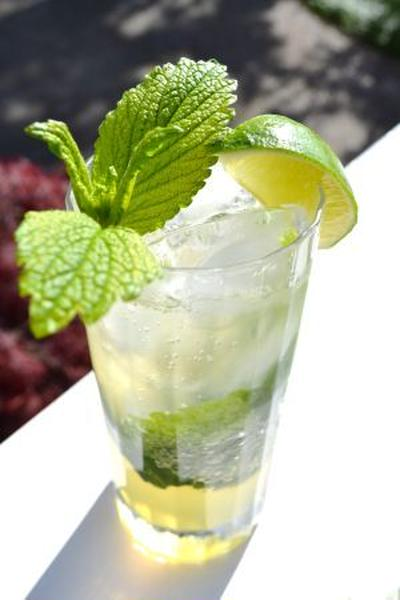 モヒト Virgin Mojito with Lemon Balm