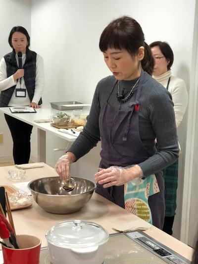 一汁三菜を楽しむかな姐の第三回料理教室「肉汁溢れるハンバーグと冬野菜献立」