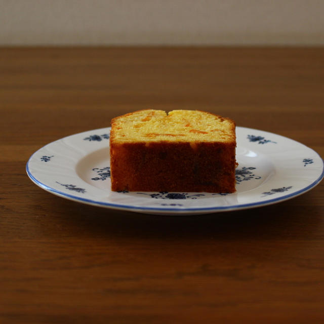 オレンジ色のケーキ