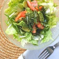簡単おうちイタリアン!香りソルトイタリアンハーブミックスのドレッシングで爽やかサラダ。