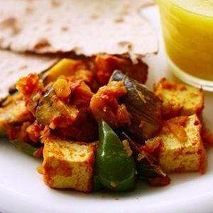 ムングダルとターメリックを使った、シンプルな豆スープ