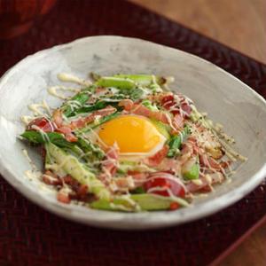 朝食にいかが?野菜プラスの「目玉焼き」アイデア