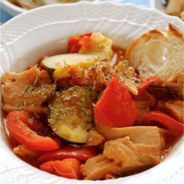 戻さず煮るだけ☆車麩と夏野菜のトマトシチュー