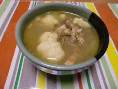 秋、真っ盛りです  カリフラワー&うち青豆のカレー風味スープ