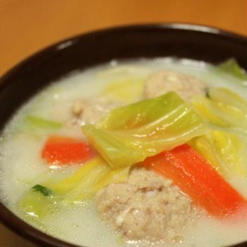 塩麹肉団子の春雨豆乳スープ