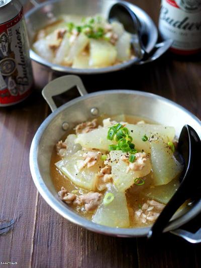 夏の身体に優しい、冬瓜と豚バラの中華煮込み。