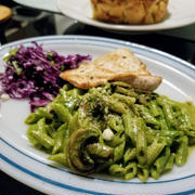 美味しい食事は心を満たす?&ほうれん草とピスタチオのパスタ