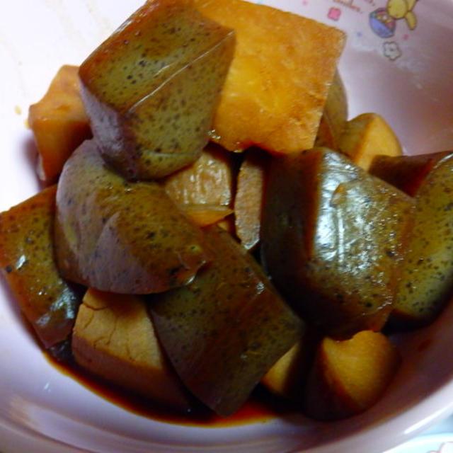 里芋と蒟蒻の煮物