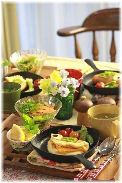 もちもちスフレパンケーキ。と 朝昼ごはん。