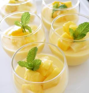 マンゴーとパイナップルのプリン