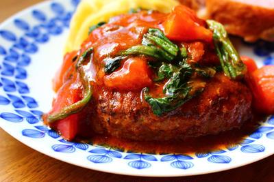 トマトとほうれん草のチーズハンバーグ