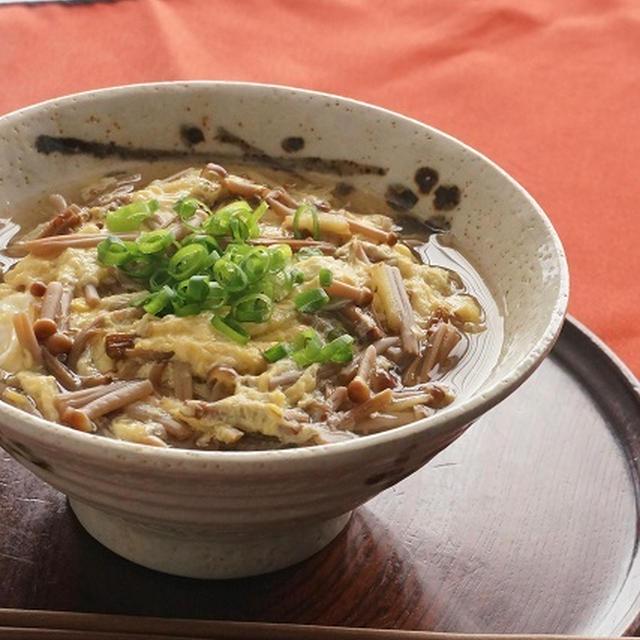 茶えのき茸と生姜の卵とじ蕎麦 by junjunさん | レシピブログ - 料理ブログのレシピ満載!