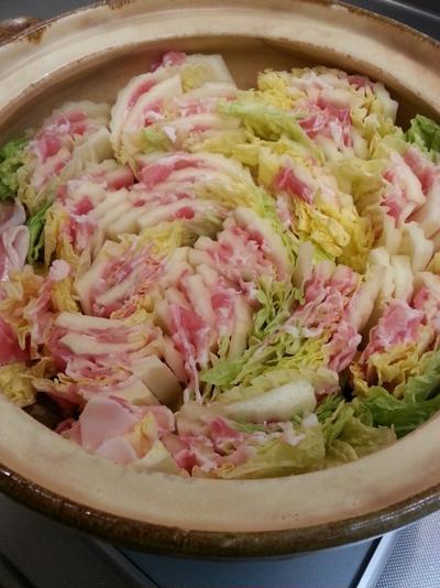 豚肉と白菜のミルフィーユ鍋。とお稲荷さん作れって言うから。