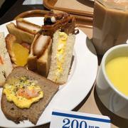 東京駅ヤエチカの神戸屋パン食べ放題に。