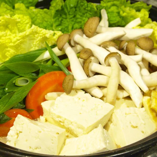 【お鍋】「自家製スープで☆ごま豆乳鍋」で晩ごはん。&炊き込み御飯の献立。