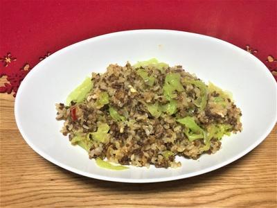 食べるオリーブオイルでひき肉とレタスのパラパラチャーハン!