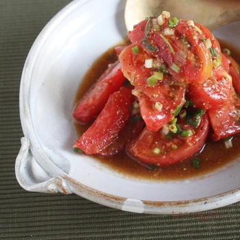 和えるだけで簡単ジューシー!ごま油香る「トマトのネギだくサラダ」とたけだかおる洋菓子研究室♪