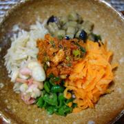 チョップドピビンパ ツナ味噌で/人参のチジミ風卵焼き/トマト卵炒めのオクラ餡かけ