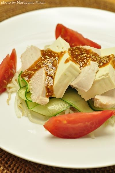 【レンジで簡単!節約☆】鶏胸肉と豆腐ともやしのピリピリゴマ味噌ダレ