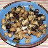 鶏三角と椎茸の黒コショウ炒め