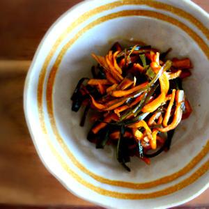 【作り置き】使いきれない乾物、大集合!生姜でピリ辛「地味ウマ佃煮」