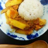 お腹スッキリ、サツマイモと鶏むね肉の甘辛カレー。