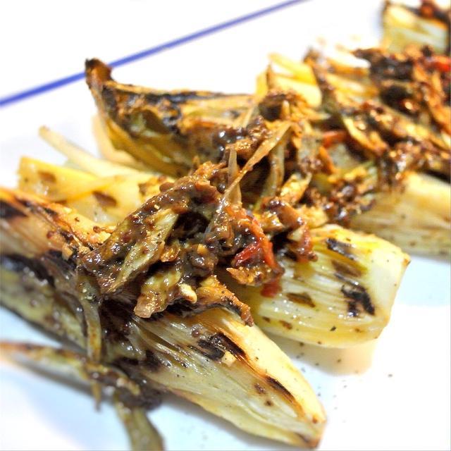 チコリとセロリのグリルのマリネ、キャラメル風味