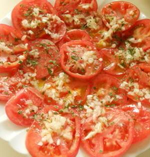 スライストマトと新玉ねぎの簡単サラダ♪