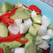 蕪とアボカドの柚子胡椒サラダ