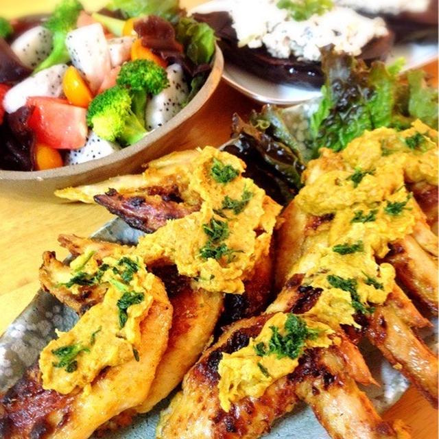 サテアヤム。生キクラゲとドラゴンフルーツのサラダ。
