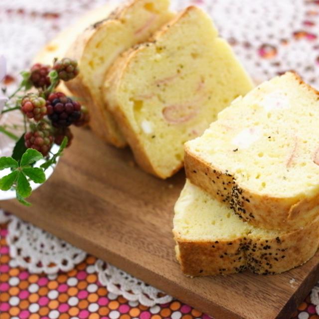 生ハムとベビーチーズのケークサレ