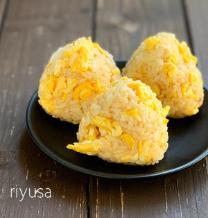 【おにぎりアクション】味噌マヨの卵おにぎり