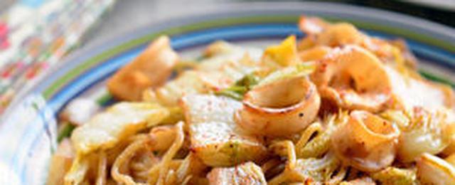 キャベツ以外もあり!「白菜焼きそば」のおすすめレシピ