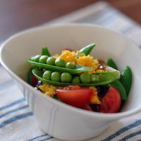 スナップエンドウとミニトマトのジュレのせミモザサラダ